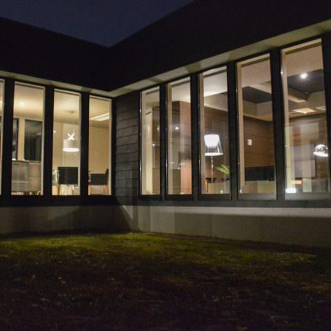 伊勢崎の平屋 / 卍の家
